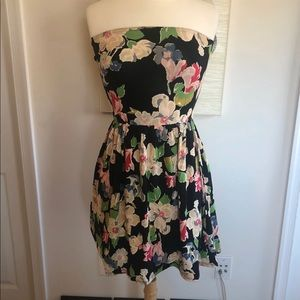 Urban Outfitters Kimchi Adorable floral dress